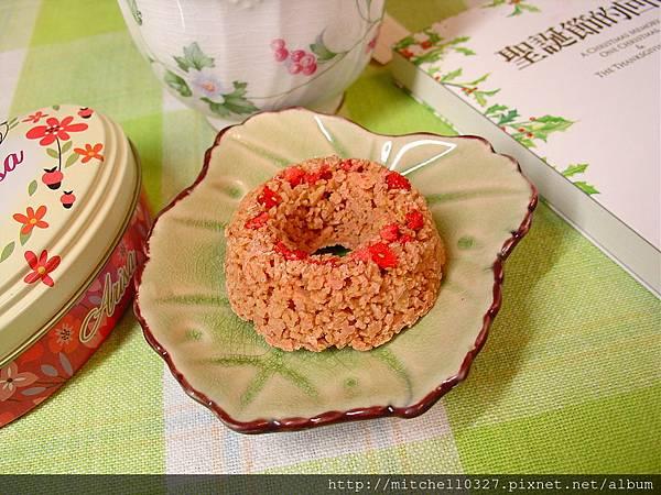 草莓甜甜圈02.JPG