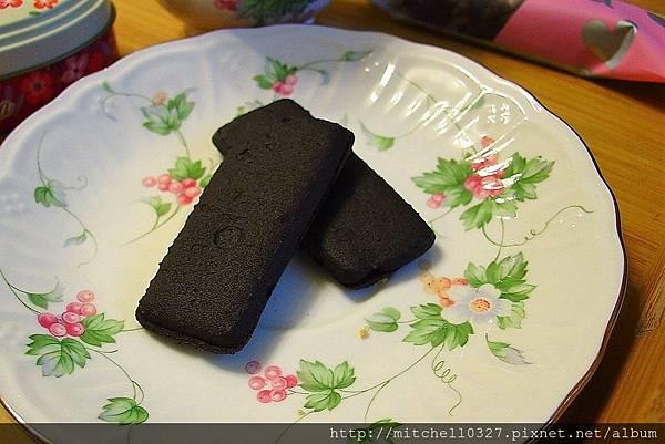 黑巧克力夾心02.JPG