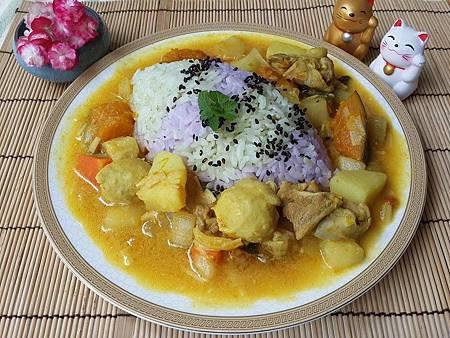 雙色彩米咖啡雞飯.jpg