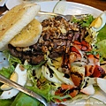 加拿大烤牛排蜜核桃沙拉 NT.320