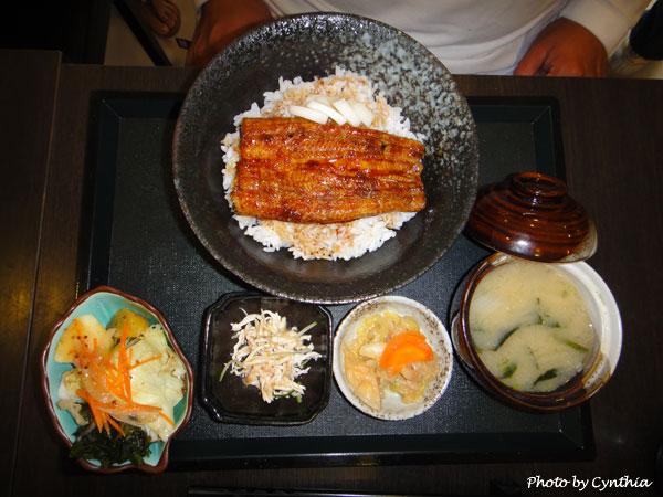 澤の料理-鰻丼定食