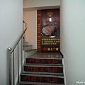 鬥胃王-往2樓的樓梯間
