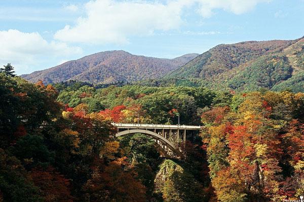 日本鳴子峽.jpg