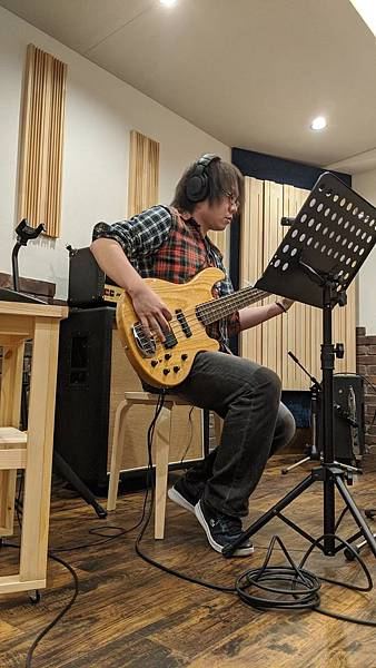 guitarist5.jpg