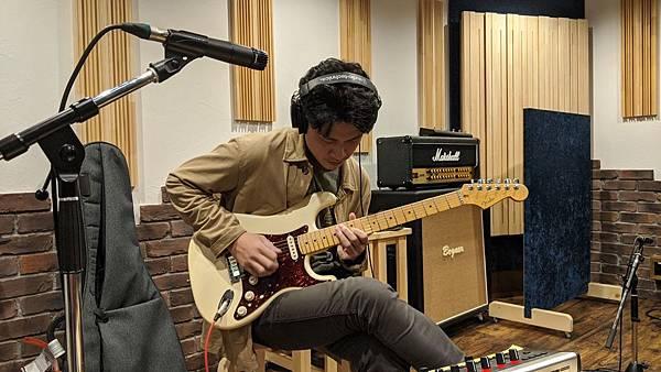 guitarist4.jpg