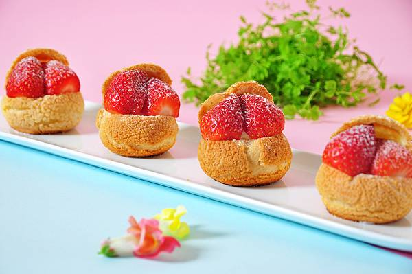 草莓泡芙.jpg