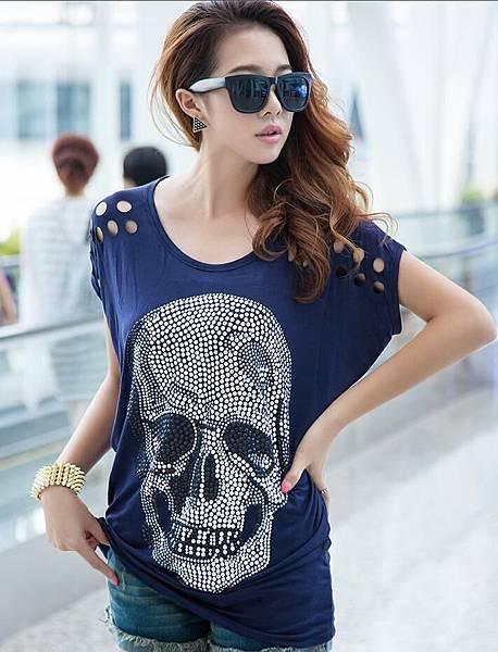 大碼寬松長版女款骷髏貼鑽T恤9.jpg