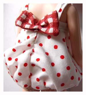 【s090413】白底紅點花苞裙.jpg