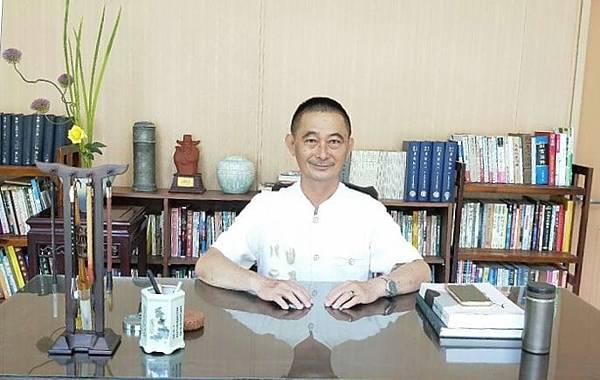 屏東算命卜卦推薦大千老師陳振甫老師大日講堂00-min.jpg