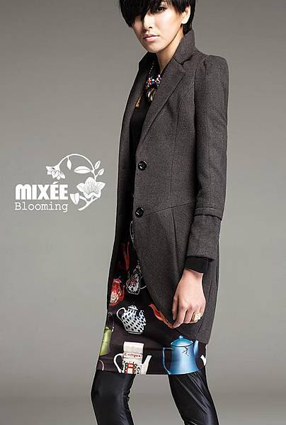 SP0015 韓版合身花苞型西裝長外套 $1030免運
