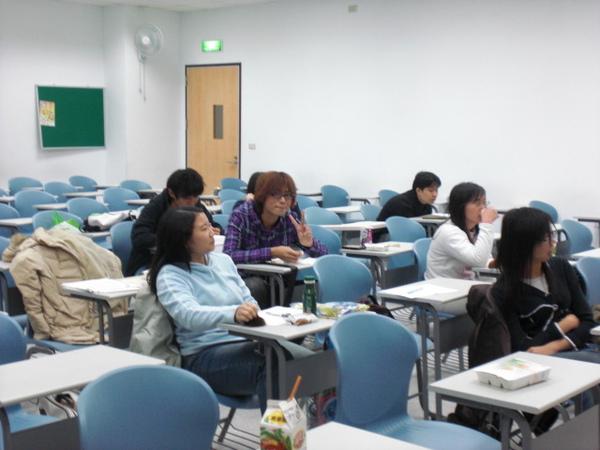社員討論 (2).JPG