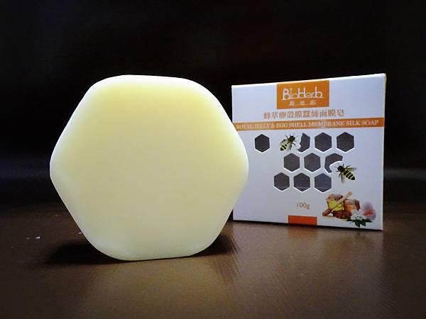 蜂萃卵殼膜蠶絲面膜皂-內容