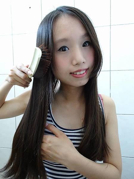 洗髮前梳髮..jpg