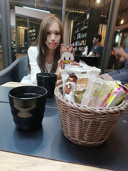 餅乾茶水.jpg