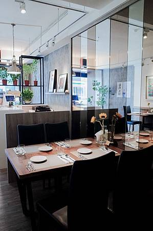 艾維農素食餐廳-1.jpg