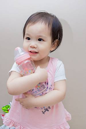 201907蘿蔓晶鑽玻璃奶瓶-11.jpg