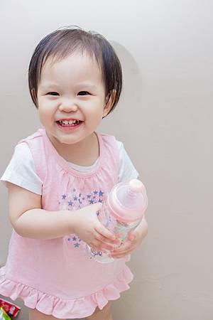201907蘿蔓晶鑽玻璃奶瓶-10.jpg