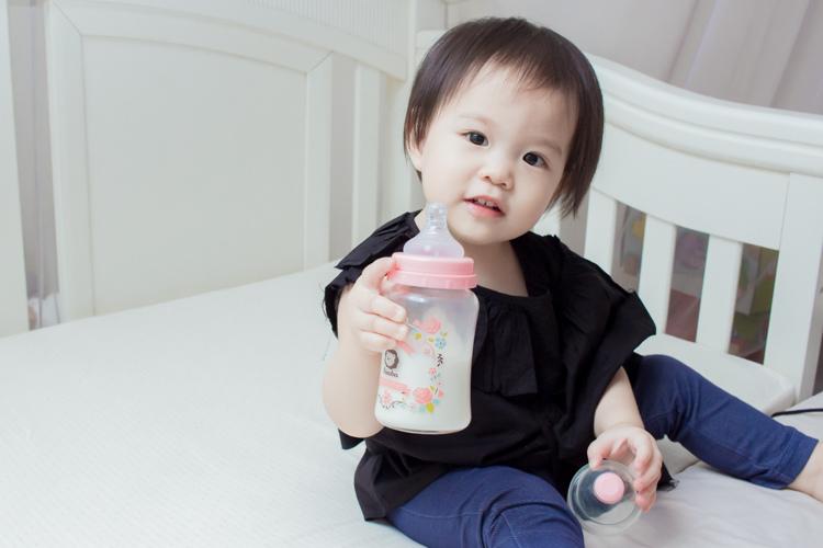 201907蘿蔓晶鑽玻璃奶瓶-21.jpg