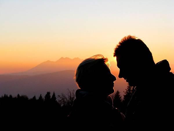 love-1353351_1920.jpg