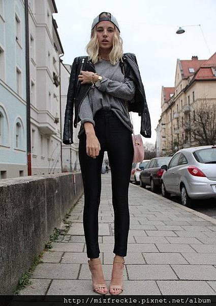 grey-jumper-snapback-leather-jacket