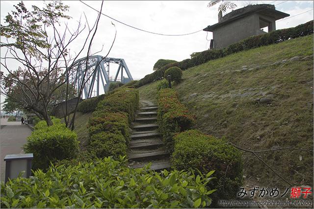 高雄舊鐵橋溼地公園_3.jpg