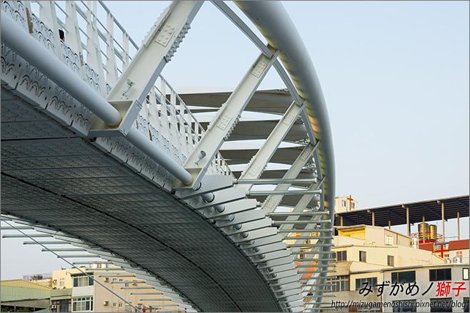 一號船渠景觀橋_6.jpg