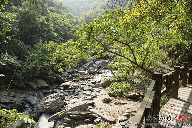 涼山瀑布_24.jpg