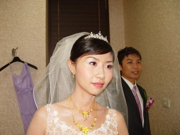 美麗大方的新娘子