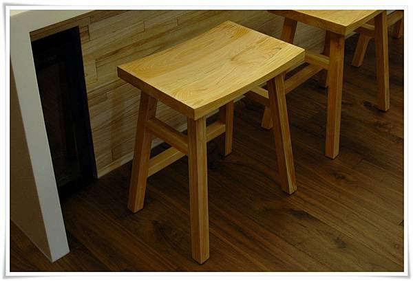 日本檜木吧檯高腳椅01-1