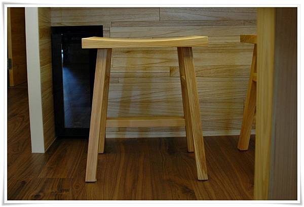 日本檜木吧檯高腳椅04-1