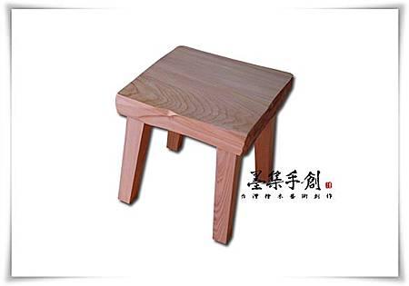 110406-台灣檜木凳01.jpg