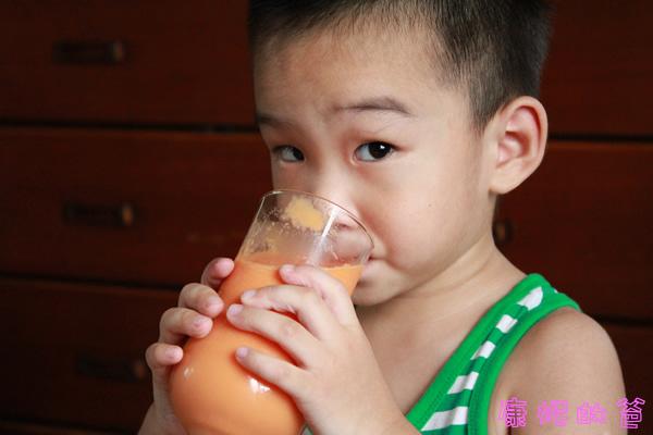 connoisseur_木瓜牛奶5.jpg