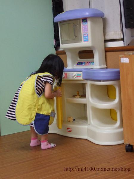 玩玩具.JPG