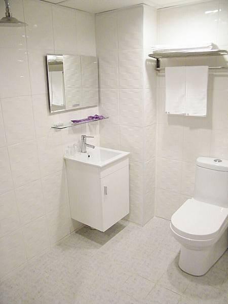 雙人房時尚清新衛浴