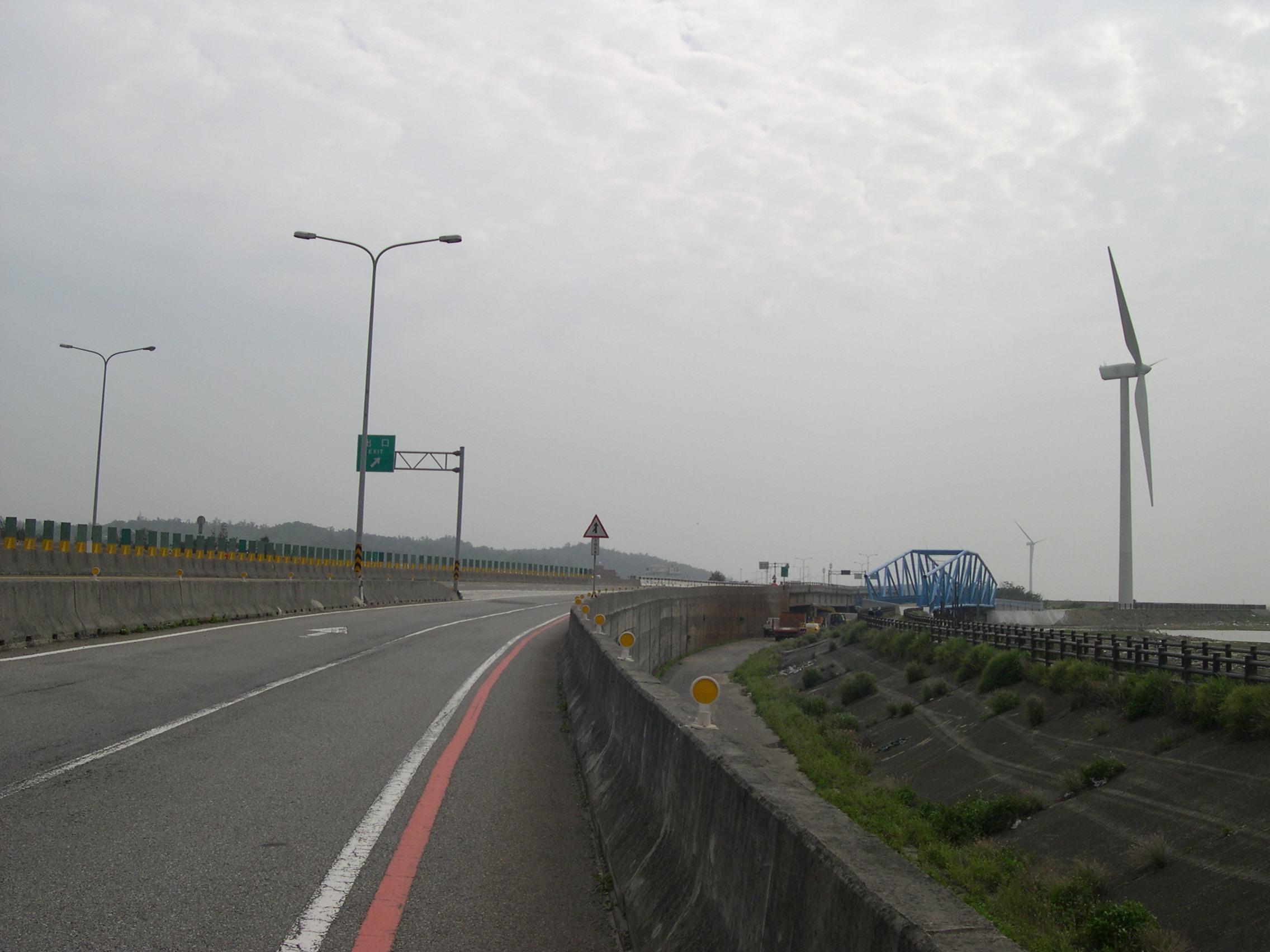 其實這裡是美國的高速公路