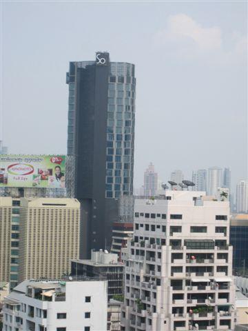 窗外看出去 剛好看到Sofitel So Bangkok