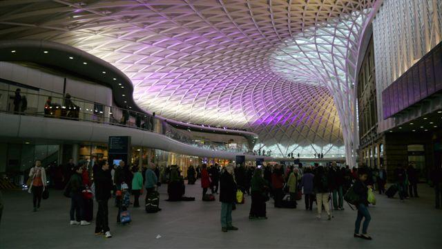 King's Cross車站的嶄新天花板