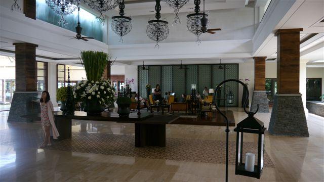 St. Regis Bali的金碧輝煌大廳