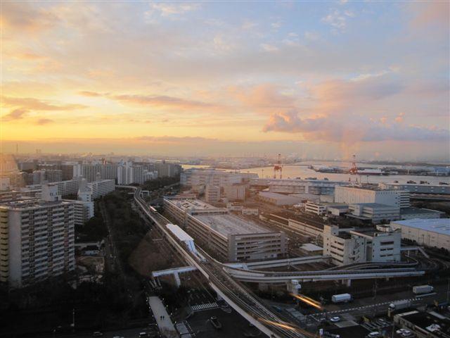 早晨的大阪港