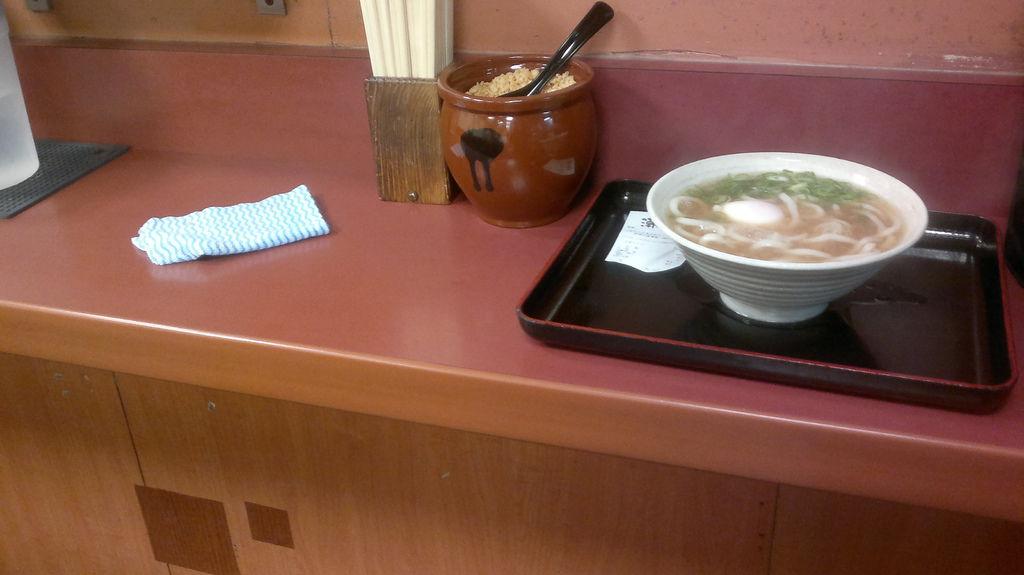 在梅田吃了一碗立食烏龍