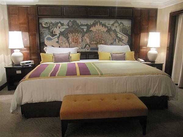 應該是我這輩子看過最大的床