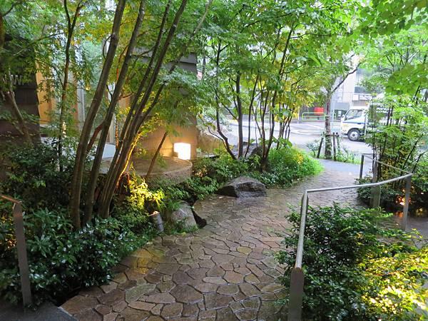 小巷內的庭園造景