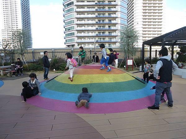 圓形彩虹石梯