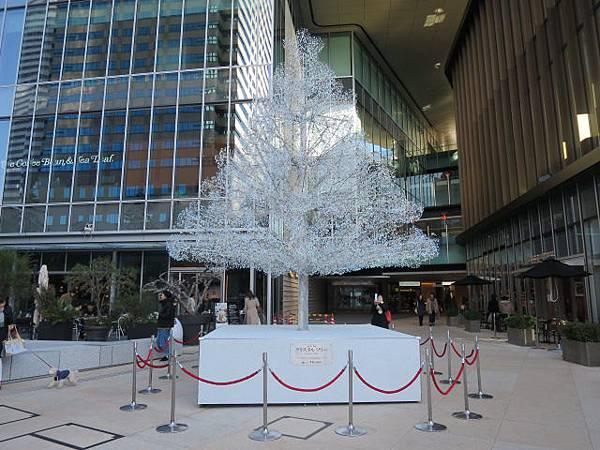 Garden Terrace一樓的水晶聖誕樹