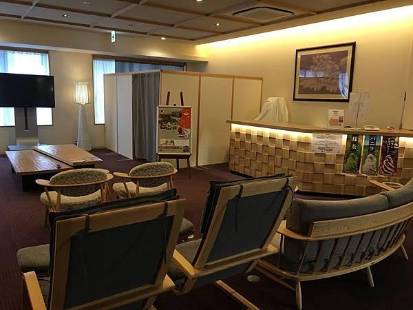 8樓溫泉區休息室