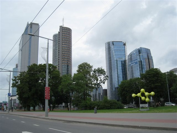 Vilnius出了舊城區也有很多摩登建築