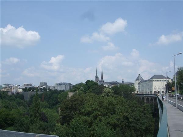 盧森堡市本身就是個大要塞