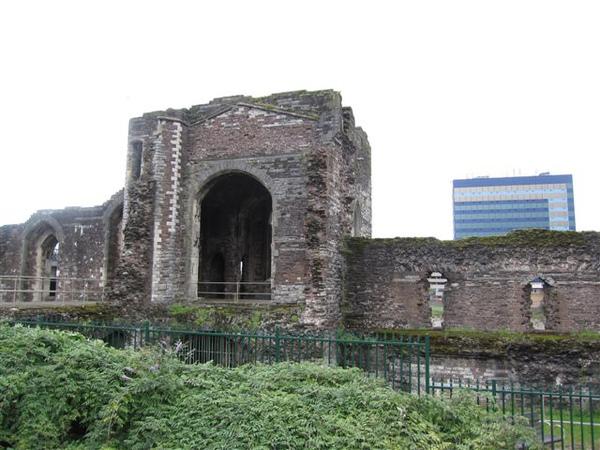 Newport的舊城牆