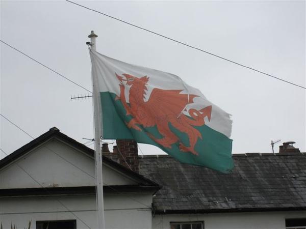Abergavenny車站外面的住家旗幟