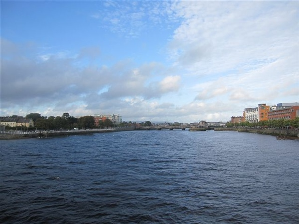 River Shannon穿過的小城 Limerick